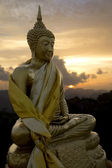 Golden Buddha in Wat Tham Sua temple, Krabi, Thailand — Stock Photo