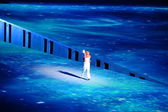 Russian tennis player Maria Sharapova with the Olympic flame. — Stock Photo