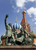 Moscow. The monument to Minin and Pozharsky on Red square — Stock Photo