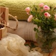 Roses, towels and spaccessories — Stock Photo #39498619