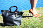 Handbag and shoes: the main weapon of fashion — Stock Photo