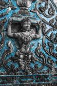 Tympanon des wat jumpa, thailand — Stockfoto