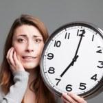 giovane donna a corto di tempo — Foto Stock #41137563