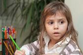 Klein meisje tekening — Stockfoto