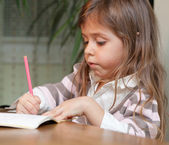Little girl drawing — Foto Stock