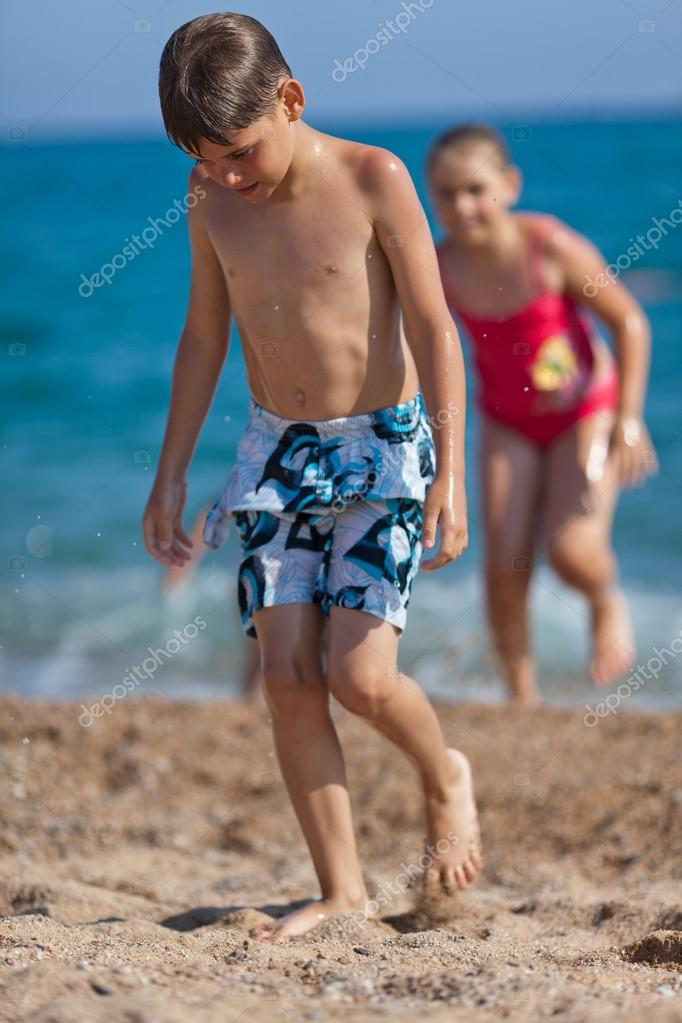 Young swimmers — Stock Photo © waldru #46300933: http://depositphotos.com/46300933/stock-photo-young-swimmers.html