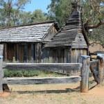 Historical Australian settlers wooden school house — Stock Photo #43015703
