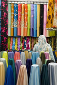 Colorful cotton fabrics on sale — Zdjęcie stockowe