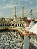 イスラム教徒のハラーム ・ モスク、サウジアラビアでのカーバ神殿を見てください。. — ストック写真