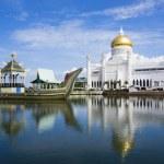 BANDAR SERI BEGAWAN(BSB), BRUNEI-NOV. 4:Masjid Sultan Omar Ali S — Stock Photo #35815757
