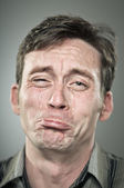 Gråtande kaukasiska man porträtt — Stockfoto