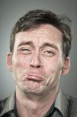 Huilen kaukasische man portret — Stockfoto