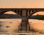 Kayakers Returning At Sunset On The Potomac River — Stock Photo