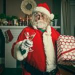 Bad Santa Getting Wasted On Christmas — Stock Photo