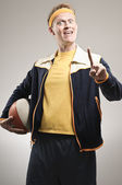 Retro Gym Coach Giving A Basketball Lesson — Stock Photo