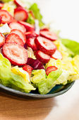 Fresh Strawberry Salad On Butter Lettuce — Stock Photo