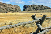Devil's Gaye with wooden fence, Wyoming — Stock Photo