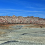 Cottonwood Canyon Road in grey desert — Stock Photo #33739595