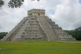El Castillo Temple — Stock Photo