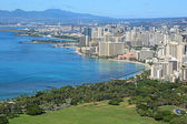 View at Honolulu and Kapiolani Park from Diamond Head — Stock Photo