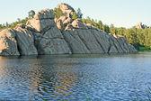 Cliffs on Sylvan Lake — Стоковое фото