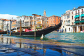 Gondola on the Grand Canal in Venice, Italy — Stock Photo