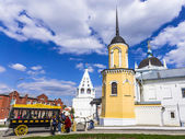 KOLOMNA , RUSSIA-MAY 3. Modern copy of horse-drawn carriages (om — Stock Photo