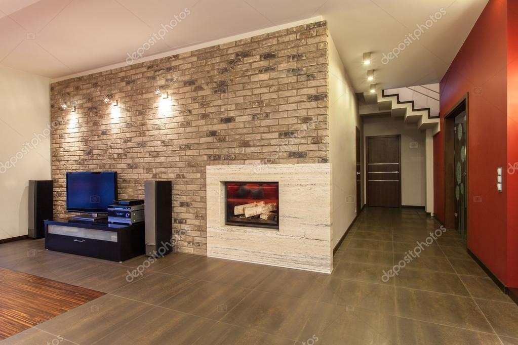 Casa rubino   camino — foto stock © photographee.eu #26553477