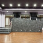 Woodland hotel - Entrance — Stock Photo #26609417