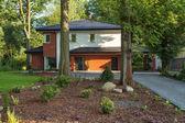 Huis in bomen — Stockfoto