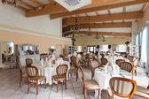Śródziemnomorskich wnętrz - luksusowa restauracja — Zdjęcie stockowe