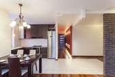 Prostorný byt - kuchyně — Stock fotografie