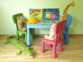 Teddy bears in children's room — Stockfoto