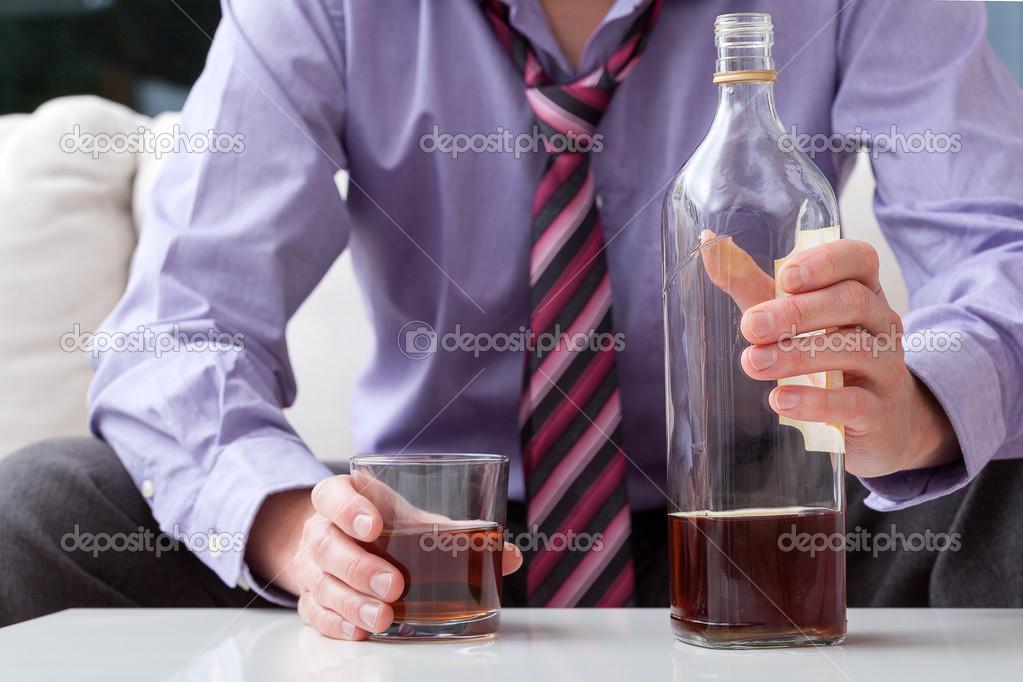Человек с виски - Стоковое фото photographee.eu #36050375