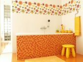 Sonnige kinder-badezimmer — Stockfoto