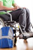 étudiant sur fauteuil roulant — Photo
