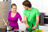 Preparing meal together — Stock Photo