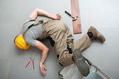 Handyman fell from ladder — Stock Photo