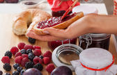 Berries and bread with jam — Stock Photo