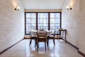Antiga sala de jantar elegante mansão de luxo — Fotografia Stock