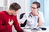 Onderzoekende arts-patiënt — Stockfoto