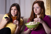 Girls watchiong horror movie — Foto de Stock