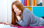 Teenager is learning — Stockfoto