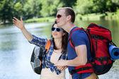 Couple enjoying the scenery — Foto de Stock