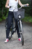 Woman ready for bicycle trip — Stock Photo