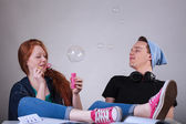 Teenagers let bubbles — Stock Photo