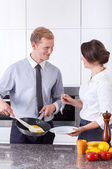 Businessman made poached egg for wife — Stock Photo