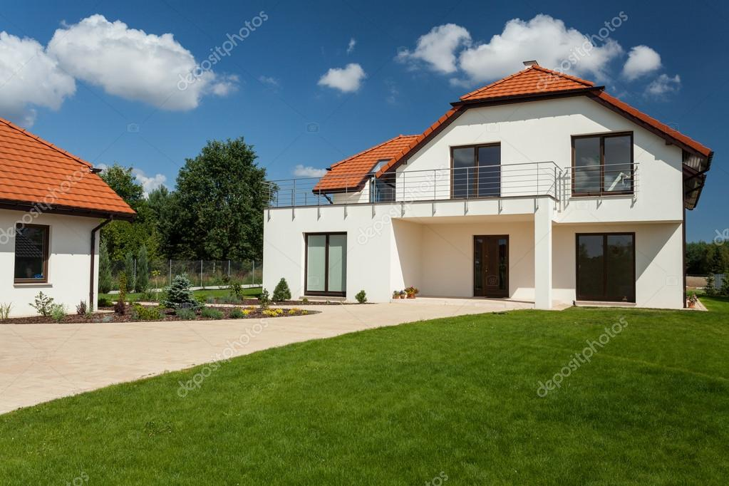 Sch nes modernes haus stockfoto 50888813 for Modernes haus download