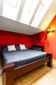 Duże łóżko — Zdjęcie stockowe