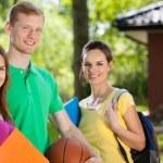 adolescenti dopo la scuola — Foto Stock #51203527